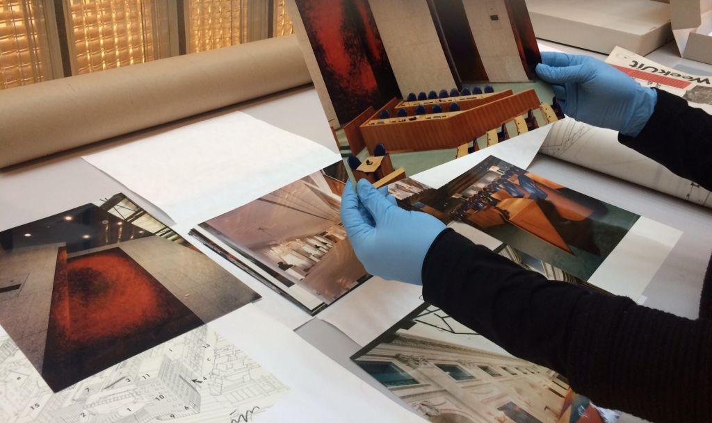 Cataloguing the archive of Pi de Bruijn. Photo Ellen Smit